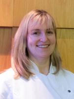 Reinet Du Preez dentist and tooth whitening professional in Leighton Buzzard